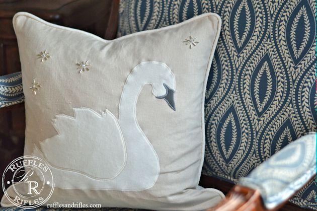 swan-pillow-5