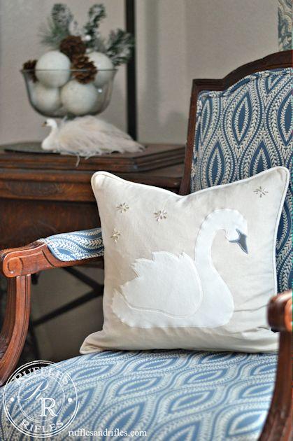 swan-pillow-6