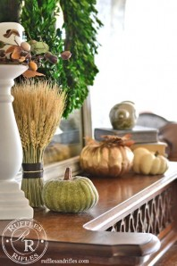 Fall Décor and Some Hints On Seasonal Decorating